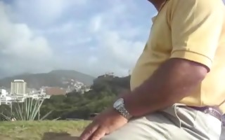 aged dad likes jerking off on cam