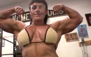 very hawt muscle woman with ripped muscles