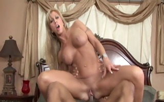 biggest tits milf get nailed2