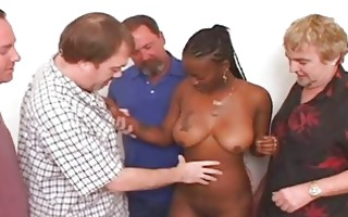 ghetto chick pleases crowd of white dick