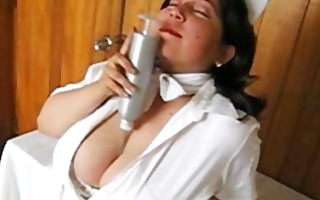 hawt diana - large boobs nurse 02