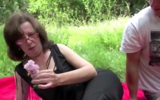 german mommy caught outdoor and fuck by youthful